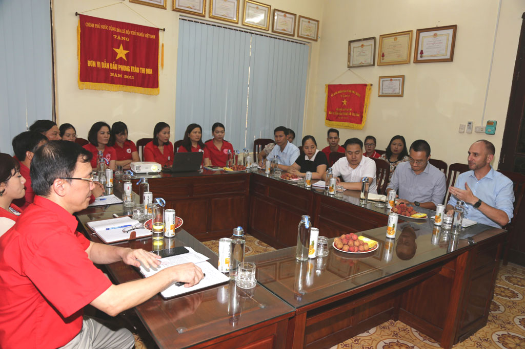 Provincial Red Cross Society works with US Embassy in Vietnam
