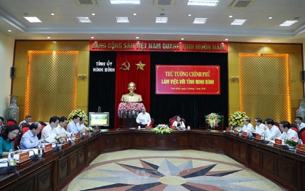 PM checks disbursement of public investment in Ninh Binh