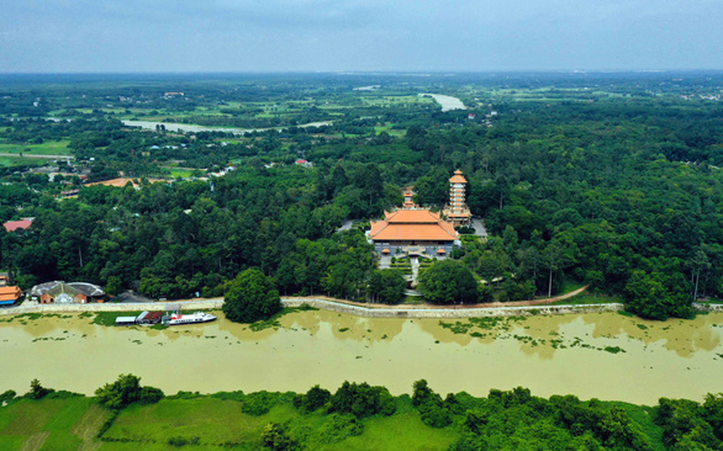Collecting opinions to make profile on Cu Chi Tunnels for UNESCO World Heritage Site