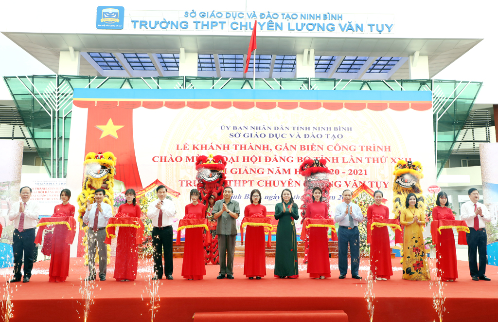 Inauguration and new school year starting ceremony of Luong Van Tuy High School for the Gifted