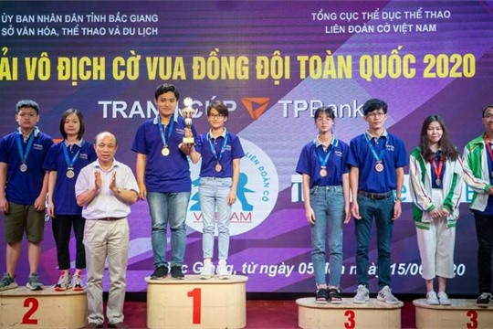 Ninh Binh chess team won a silver medal in National Team Chess Champs