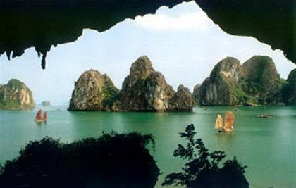 Entry fee to Ha Long bay to be raised in 2014