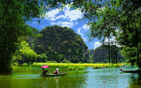 Ninh Binh issues Plan to develop tourism as spearhead economic sector