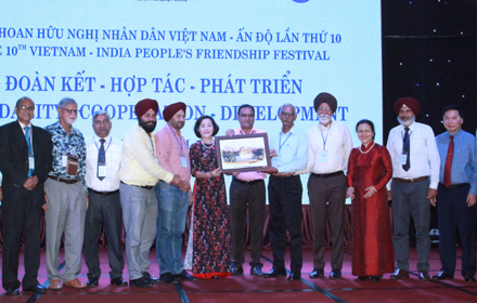 10th Vietnam-India People's Friendship Festival helds in Ninh Binh