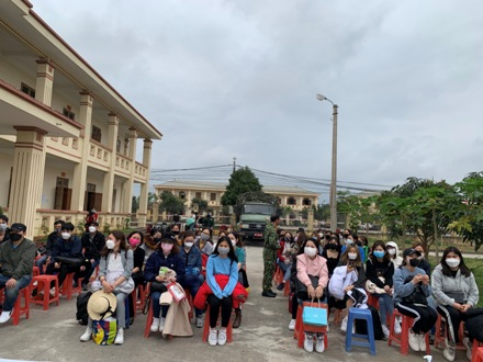Nearly 200 Vietnamese people returning from RoK quarantined in Ninh Binh
